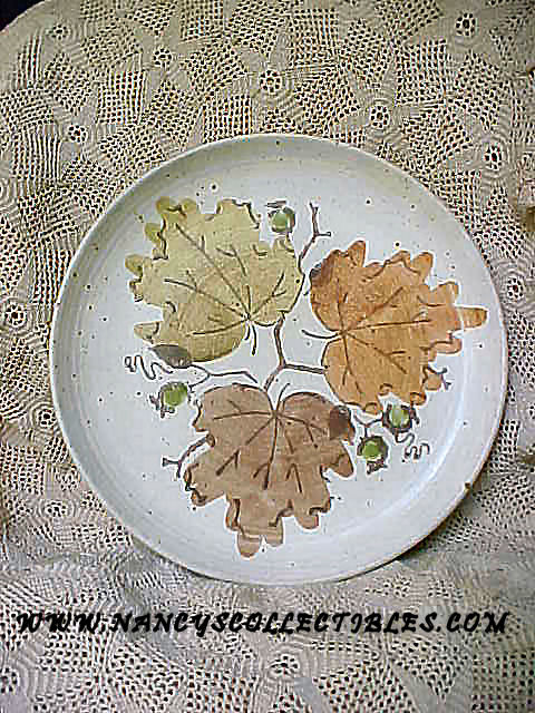 Metlox - Woodland Gold Plate
