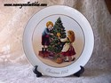 Avon Christmas Plate - 1981 - Keeping The Christmas Tradition