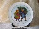Avon Christmas Plate - 1981 - Sharing The Christmas Spirit